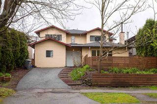 Photo 2: 1110 E 15TH Avenue in Vancouver: Mount Pleasant VE House 1/2 Duplex for sale (Vancouver East)  : MLS®# R2255006