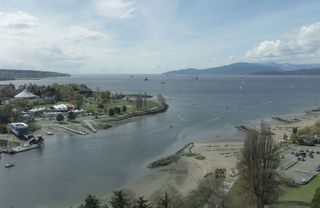 "Main Photo: 2201 1005 BEACH Avenue in Vancouver: West End VW Condo for sale in ""ALVAR"" (Vancouver West)  : MLS®# R2260385"