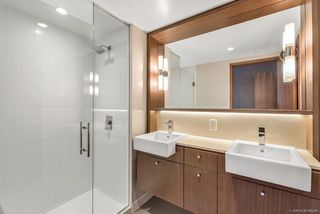 """Photo 7: 3308 13495 CENTRAL Avenue in Surrey: Whalley Condo for sale in """"RESIDENCE AT THREE CIVIC PLAZA"""" (North Surrey)  : MLS®# R2294341"""
