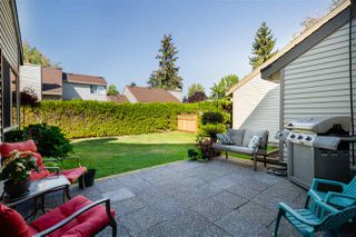 Photo 15: 6127 E GREENSIDE Drive in Surrey: Cloverdale BC Townhouse for sale (Cloverdale)  : MLS®# R2304722