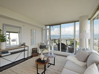 """Photo 3: 906 1650 W 7TH Avenue in Vancouver: Fairview VW Condo for sale in """"Virtu"""" (Vancouver West)  : MLS®# R2307388"""