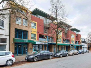 "Photo 1: 15 3477 COMMERCIAL Street in Vancouver: Victoria VE Townhouse for sale in ""La Villa"" (Vancouver East)  : MLS®# R2321606"