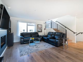 """Photo 3: 7 265 E 8TH Street in North Vancouver: Central Lonsdale Townhouse for sale in """"Walker Park Mews"""" : MLS®# R2322419"""