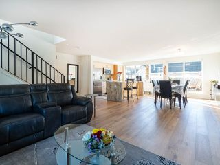 """Photo 2: 7 265 E 8TH Street in North Vancouver: Central Lonsdale Townhouse for sale in """"Walker Park Mews"""" : MLS®# R2322419"""