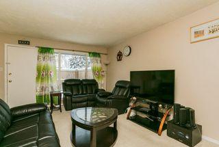 Main Photo: 570 ABBOTTSFIELD Road NW in Edmonton: Zone 23 Townhouse for sale : MLS®# E4137495