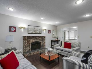 """Photo 3: 13863 80A Avenue in Surrey: East Newton House for sale in """"NEWTON"""" : MLS®# R2327669"""