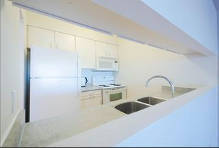 "Photo 5: 2404 4353 HALIFAX Street in Burnaby: Brentwood Park Condo for sale in ""BRENT GARDENS"" (Burnaby North)  : MLS®# R2331880"