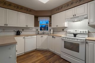 "Photo 8: 214 1200 EASTWOOD Street in Coquitlam: North Coquitlam Condo for sale in ""LAKESIDE TERRACE"" : MLS®# R2333096"