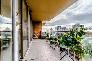 """Photo 4: 1006 4350 BERESFORD Street in Burnaby: Metrotown Condo for sale in """"CARLTON ON THE PARK"""" (Burnaby South)  : MLS®# R2336332"""