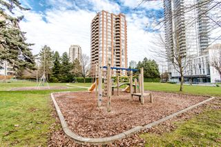 """Photo 2: 1006 4350 BERESFORD Street in Burnaby: Metrotown Condo for sale in """"CARLTON ON THE PARK"""" (Burnaby South)  : MLS®# R2336332"""