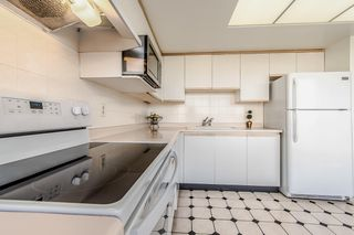 """Photo 10: 1006 4350 BERESFORD Street in Burnaby: Metrotown Condo for sale in """"CARLTON ON THE PARK"""" (Burnaby South)  : MLS®# R2336332"""