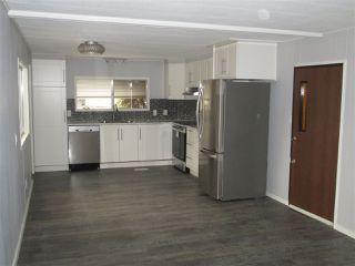 Photo 4: 50 24330 FRASER Highway in Langley: Otter District Manufactured Home for sale : MLS®# R2340623