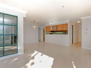 "Photo 8: 105 3788 W 8TH Avenue in Vancouver: Point Grey Condo for sale in ""La Mirada"" (Vancouver West)  : MLS®# R2350569"