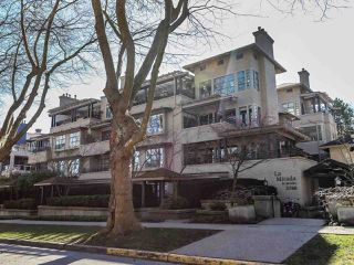 "Photo 1: 105 3788 W 8TH Avenue in Vancouver: Point Grey Condo for sale in ""La Mirada"" (Vancouver West)  : MLS®# R2350569"