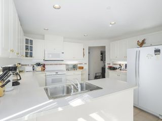 "Photo 12: 102 1280 55 Street in Delta: Cliff Drive Condo for sale in ""SANDPIPER"" (Tsawwassen)  : MLS®# R2351025"