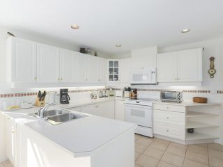 "Photo 11: 102 1280 55 Street in Delta: Cliff Drive Condo for sale in ""SANDPIPER"" (Tsawwassen)  : MLS®# R2351025"