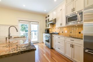 Photo 3: 1343 LAKEWOOD Drive in Vancouver: Grandview VE House for sale (Vancouver East)  : MLS®# R2356069