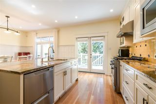 Photo 4: 1343 LAKEWOOD Drive in Vancouver: Grandview VE House for sale (Vancouver East)  : MLS®# R2356069