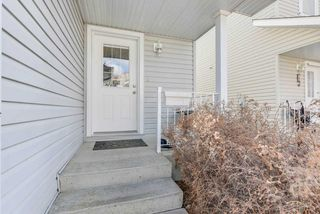 Photo 2: 2021 GRANTHAM Court in Edmonton: Zone 58 House Half Duplex for sale : MLS®# E4153037
