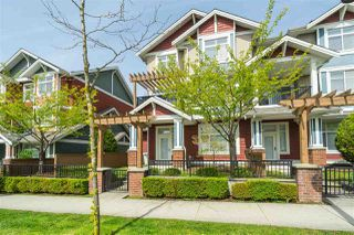 """Photo 1: 40 6036 164 Street in Surrey: Cloverdale BC Townhouse for sale in """"ARBOUR VILLAGE"""" (Cloverdale)  : MLS®# R2363902"""