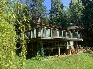 Photo 2: 884/898 CONRAD Road in Gibsons: Roberts Creek House for sale (Sunshine Coast)  : MLS®# R2366943