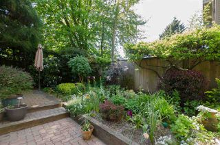 "Photo 17: 2336 W 6TH Avenue in Vancouver: Kitsilano Townhouse for sale in ""MAGNOLIA TERRACE"" (Vancouver West)  : MLS®# R2368619"
