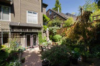 "Photo 19: 2336 W 6TH Avenue in Vancouver: Kitsilano Townhouse for sale in ""MAGNOLIA TERRACE"" (Vancouver West)  : MLS®# R2368619"