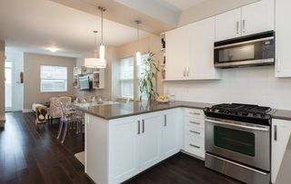 """Photo 4: 1815 CHARLES Street in Vancouver: Grandview Woodland Townhouse for sale in """"Jeffs Residences"""" (Vancouver East)  : MLS®# R2369340"""