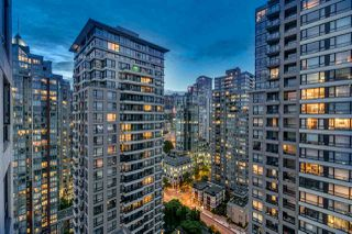"Photo 13: 2603 977 MAINLAND Street in Vancouver: Yaletown Condo for sale in ""Yaletown Park 3"" (Vancouver West)  : MLS®# R2370167"