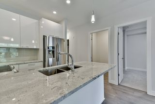 Photo 6: 110 19940 BRYDON Crescent in Langley: Langley City Condo for sale : MLS®# R2370688
