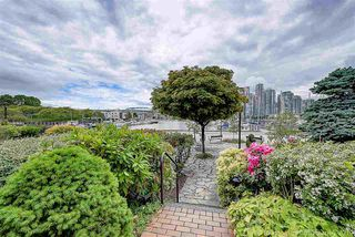 Photo 3: 1106 IRONWORK Passage in Vancouver: False Creek Townhouse for sale (Vancouver West)  : MLS®# R2372009