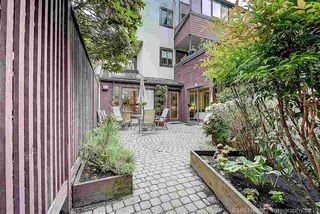 Photo 15: 1106 IRONWORK Passage in Vancouver: False Creek Townhouse for sale (Vancouver West)  : MLS®# R2372009