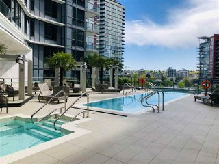 "Photo 8: 2007 68 SMITHE Street in Vancouver: Downtown VW Condo for sale in ""ONE PACIFIC"" (Vancouver West)  : MLS®# R2372618"