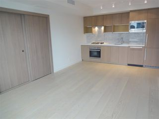 "Photo 2: 2007 68 SMITHE Street in Vancouver: Downtown VW Condo for sale in ""ONE PACIFIC"" (Vancouver West)  : MLS®# R2372618"