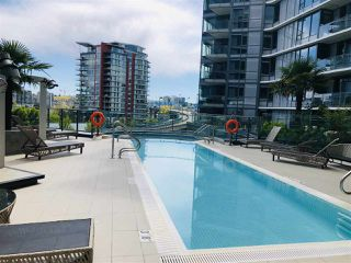 "Photo 7: 2007 68 SMITHE Street in Vancouver: Downtown VW Condo for sale in ""ONE PACIFIC"" (Vancouver West)  : MLS®# R2372618"
