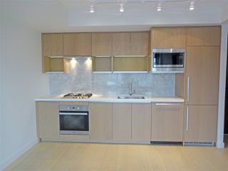 "Photo 3: 2007 68 SMITHE Street in Vancouver: Downtown VW Condo for sale in ""ONE PACIFIC"" (Vancouver West)  : MLS®# R2372618"