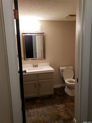 Photo 9: 111 Armstrong Crescent in Saskatoon: Forest Grove Residential for sale : MLS®# SK773437