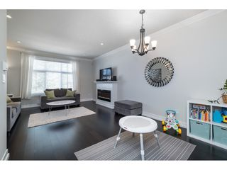 "Photo 3: 8 16458 23A Avenue in Surrey: Grandview Surrey Townhouse for sale in ""Essence at the Hamptons"" (South Surrey White Rock)  : MLS®# R2380540"