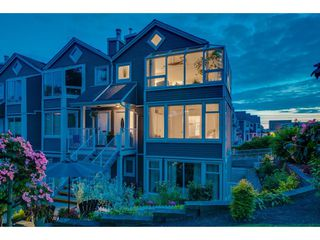 "Photo 2: 1141 ELM Street: White Rock Townhouse for sale in ""Marine Court"" (South Surrey White Rock)  : MLS®# R2383554"