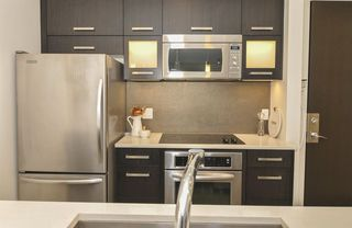 "Photo 6: 311 3333 MAIN Street in Vancouver: Main Condo for sale in ""3333 MAIN"" (Vancouver East)  : MLS®# R2393428"