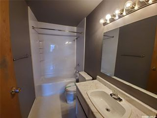 Photo 5: 221 Dickey Crescent in Saskatoon: Pacific Heights Residential for sale : MLS®# SK805263
