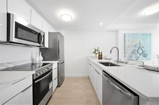 """Photo 3: 1203 1331 W GEORGIA Street in Vancouver: Coal Harbour Condo for sale in """"The Pointe"""" (Vancouver West)  : MLS®# R2463393"""