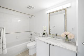 """Photo 19: 1203 1331 W GEORGIA Street in Vancouver: Coal Harbour Condo for sale in """"The Pointe"""" (Vancouver West)  : MLS®# R2463393"""