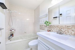 Photo 13: 102 14271 18A Avenue in Surrey: Sunnyside Park Surrey Townhouse for sale (South Surrey White Rock)  : MLS®# R2496480