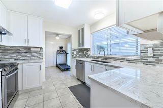 Photo 7: 102 14271 18A Avenue in Surrey: Sunnyside Park Surrey Townhouse for sale (South Surrey White Rock)  : MLS®# R2496480