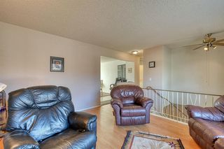 Photo 4: 383 Templeside Circle NE in Calgary: Temple Detached for sale : MLS®# A1045031