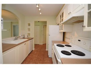 Photo 5: 113 5900 DOVER Crescent in Richmond: Riverdale RI Condo for sale : MLS®# V905708