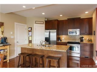 Photo 8: 4042 Copperfield Lane in VICTORIA: SW Glanford Single Family Detached for sale (Saanich West)  : MLS®# 328827