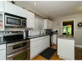 Photo 8: 1456 STEVENS Street: White Rock Townhouse for sale (South Surrey White Rock)  : MLS®# F1400124