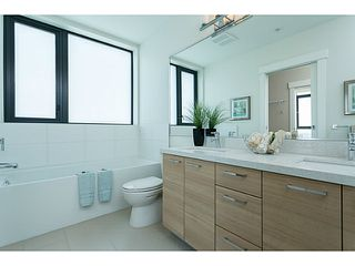"""Photo 13: 1501 258 SIXTH Street in New Westminster: Downtown NW Condo for sale in """"258"""" : MLS®# V1068921"""